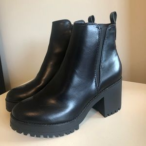 BRAND NEW Missguided boots